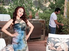 Red-hot Mommy I'D LIKE TO FUCK Claudia receives ass-fucked by the gardener