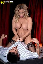 Busty HORNY HOUSEWIFE exotic dancer Amber Lynn suggests extras